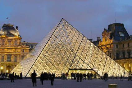 Le musée du Louvre à Paris... (Photo: AP)