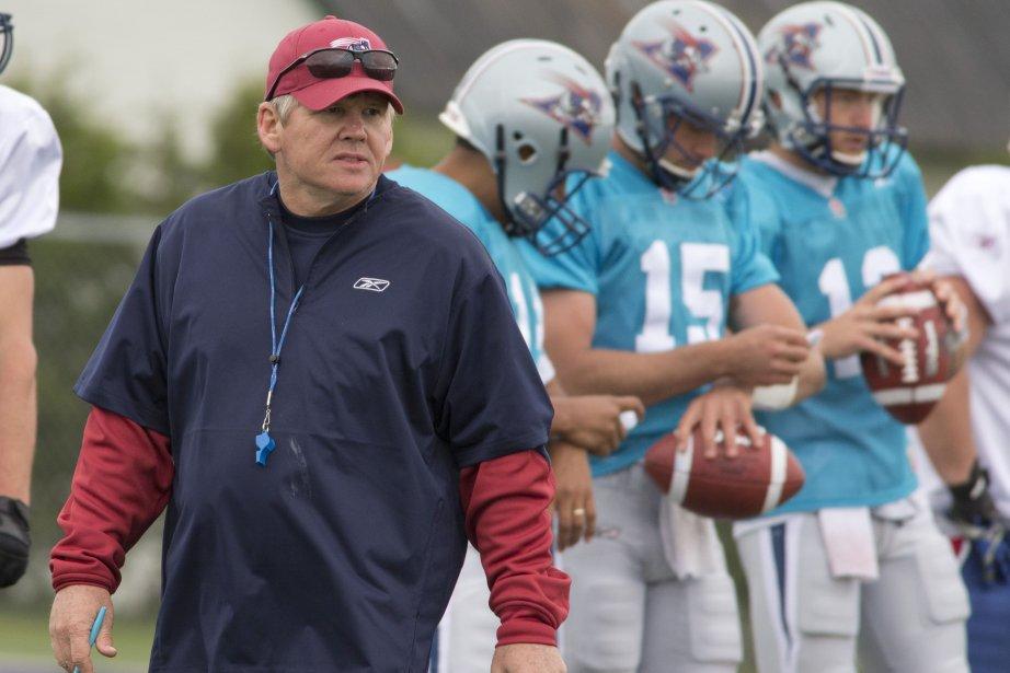 Dan Hawkins, le nouvel entraîneur-chef des Alouettes.... (PHOTO DAVID BOILY, LA PRESSE)