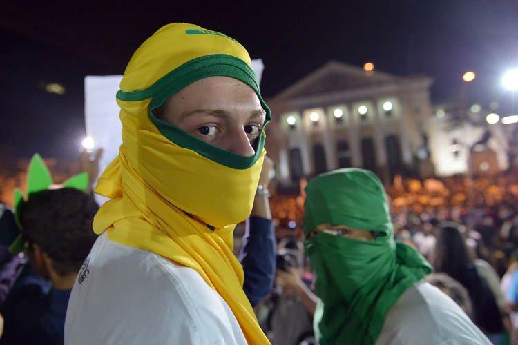 En proposant de donner la parole au peuple via un référendum, la... (Photo: AFP)