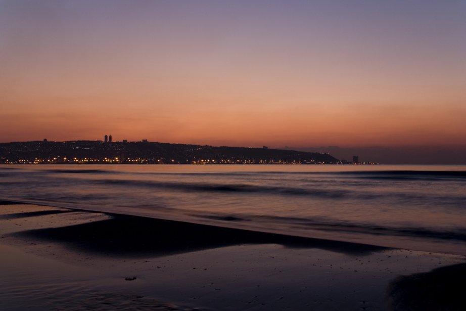 Le spectacle du soleil se couchant doucement sur la Méditerranée est haut en couleur. (Photothèque La Presse)