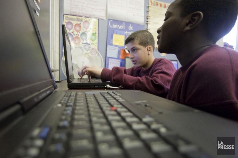 YouTube et Facebook sont utilisés par deux internautes... (Photo Ivanoh Demers, Archives La Presse)