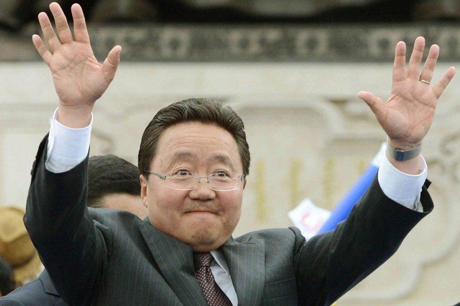Tsakhia Elbegdorj du Parti démocrate a remporté 50,23%... (PHOTO KYODO NEWS, AP)