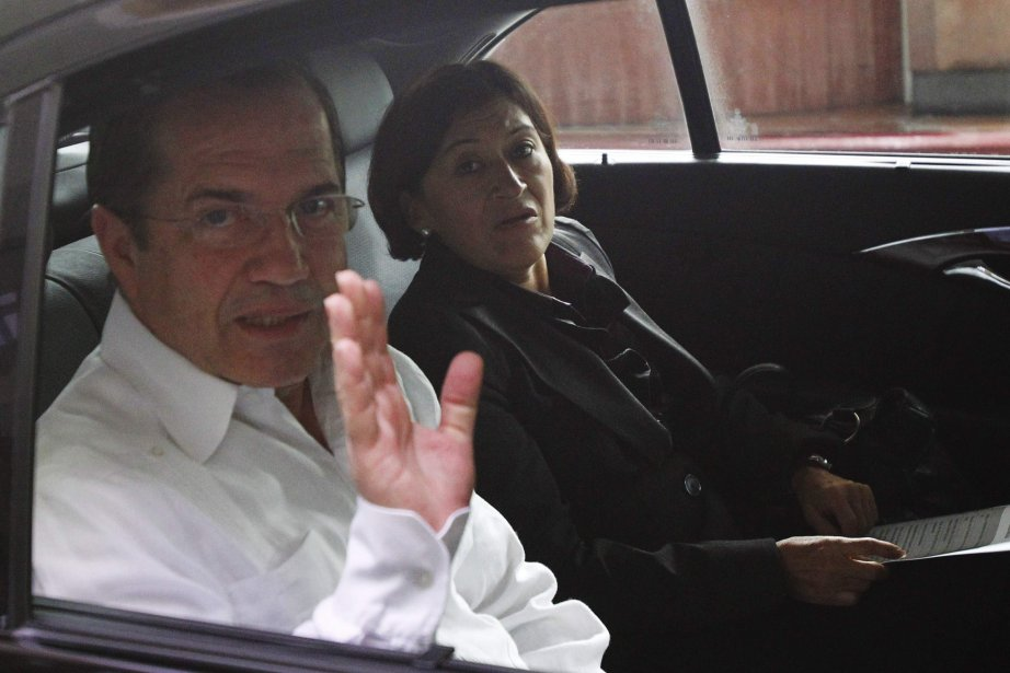 Le ministre équatorien des affaires étrangères,Ricardo Patino.... (PHOTO REUTERS)