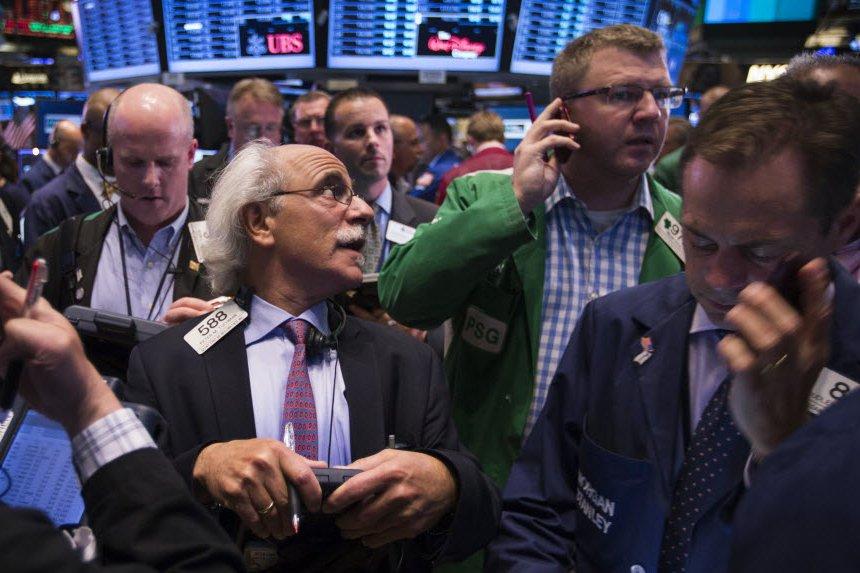 Wall Street a achevé la séance et le semestre sur une note contrastée vendredi,...