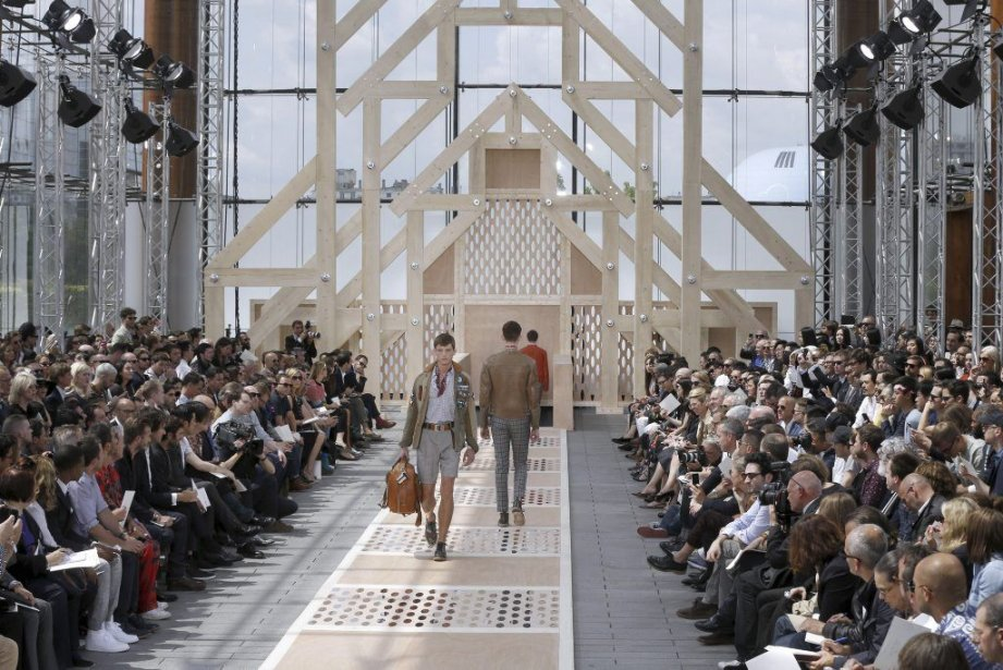 Les marques de création de mode emploient près... (PHOTO FRANCOIS GUILLOT, AFP)