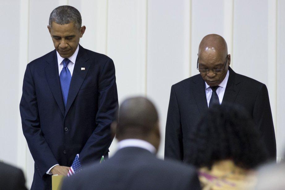 Barack Obama en compagnie du président sud-africain Jacob... (Photo Saul LOEB, AFP)