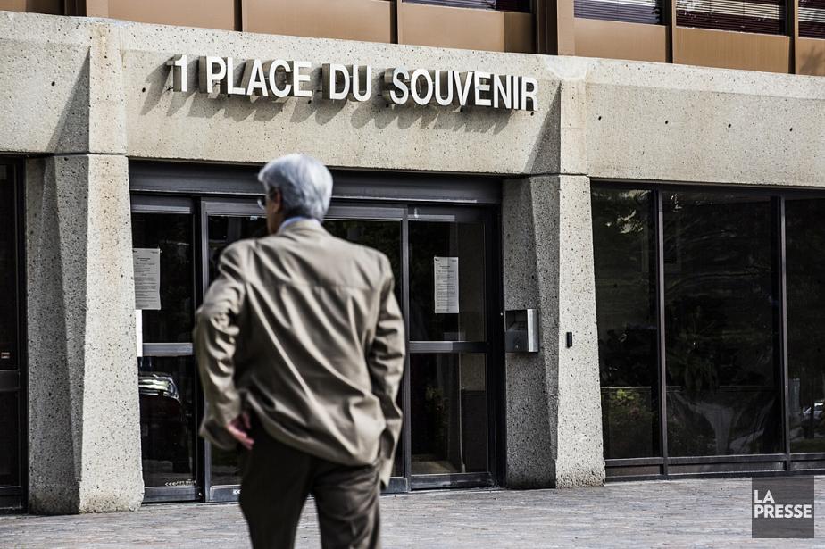 L'hôtel de ville de Laval.... (Photo: Olivier PontBriand, La Presse)