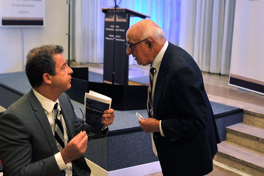 Le président du TPIY, l'Américain Theodor Meron (à...