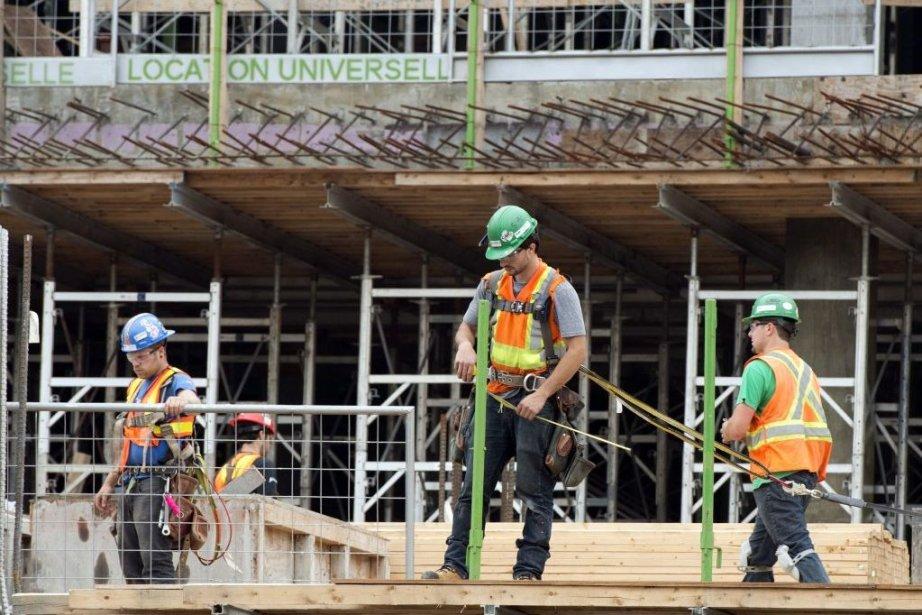 Les 77000 travailleurs du secteur industriel, commercial et... (Photo Ryan Remiorz, PC)