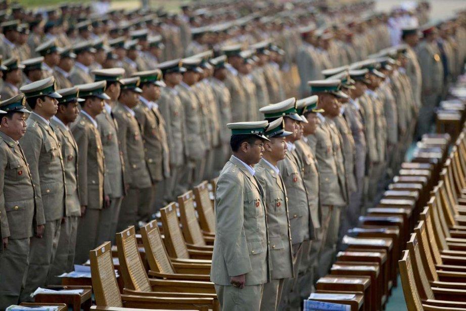Les sanctions touchant le général Thein Htay interdisent... (PHOTO GEMENU AMARASINGHE, ARCHIVES AP)