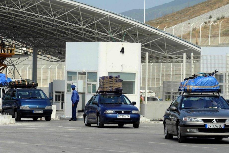 Les trafics de produits, notamment alimentaires et de... (PHOTO FADEL SENNA, AFP)