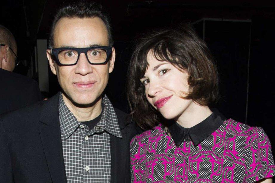 Fred Armisen, à gauche, en compagnie de l'actrice... (PHOTO CHARLES SYKES, AP)