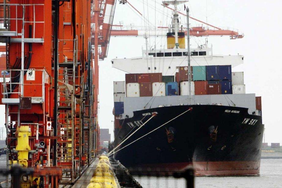 Statistique Canada attribue le recul des exportations «en... (Photo Archives AFP)