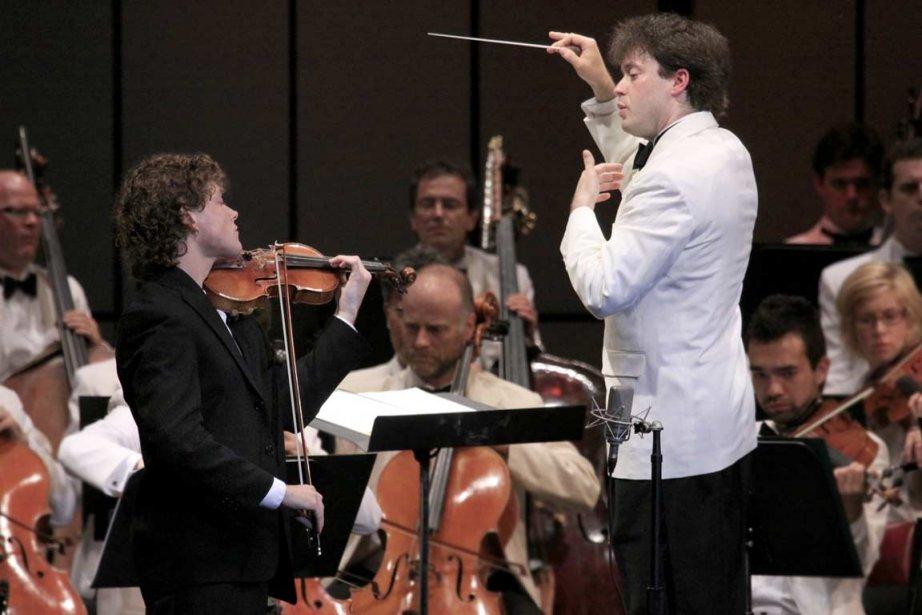 Julian Kuerti, chef invité à l'Orchestre Métropolitain.... (PHOTO FOURNIE PAR LE FESTIVAL DE LANAUDIÈRE)