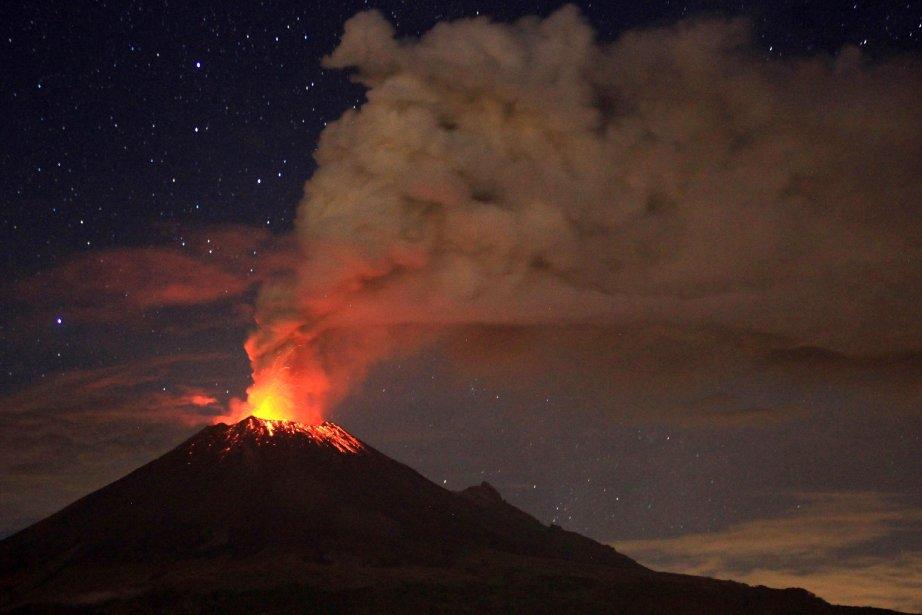 Le volcanPopocatepetl le 4 juillet au Mexique.... (Photo Pablo Spencer, AFP)