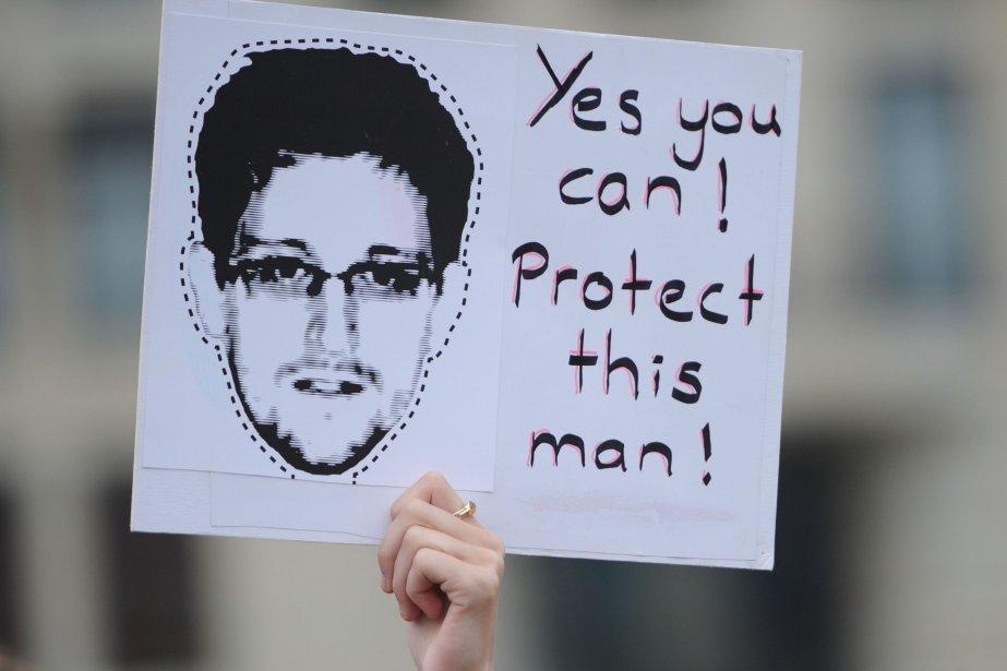 Snowdena déjà confié en entrevue avec le journal... (PHOTO OLE SPATA, AFP)