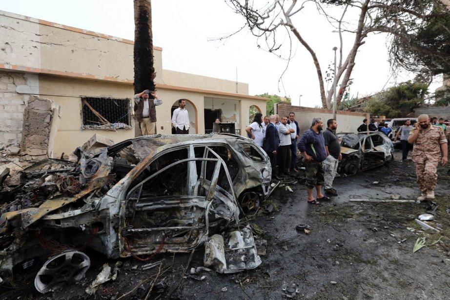Plus récemment, un attentat à la voiture piégée... (PHOTO MAHMUD TURKIA, AFP)