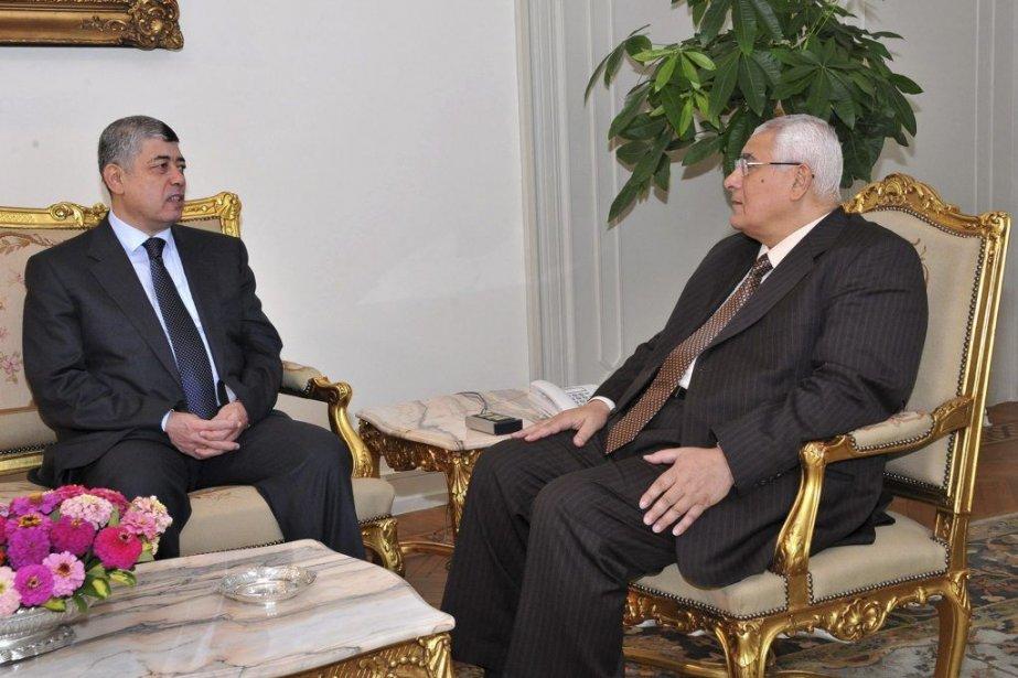 Le président intérimaire de l'Égypte a rencontré samedi... (PHOTO PRÉSIDENCE ÉGYPTIENNE, AFP)