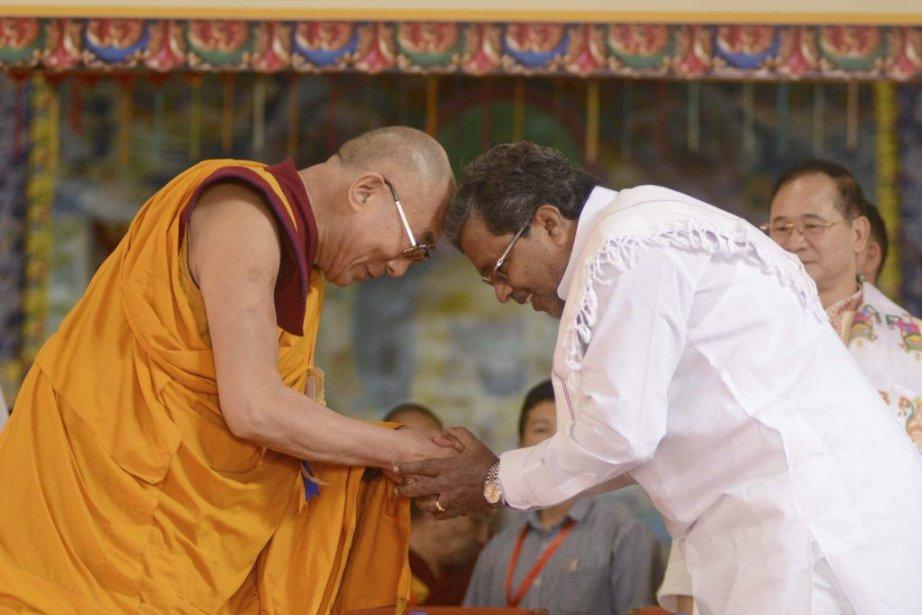Dans son discours d'une heure, le dirigeant spirituel,... (PHOTO STRDEL, AFP)