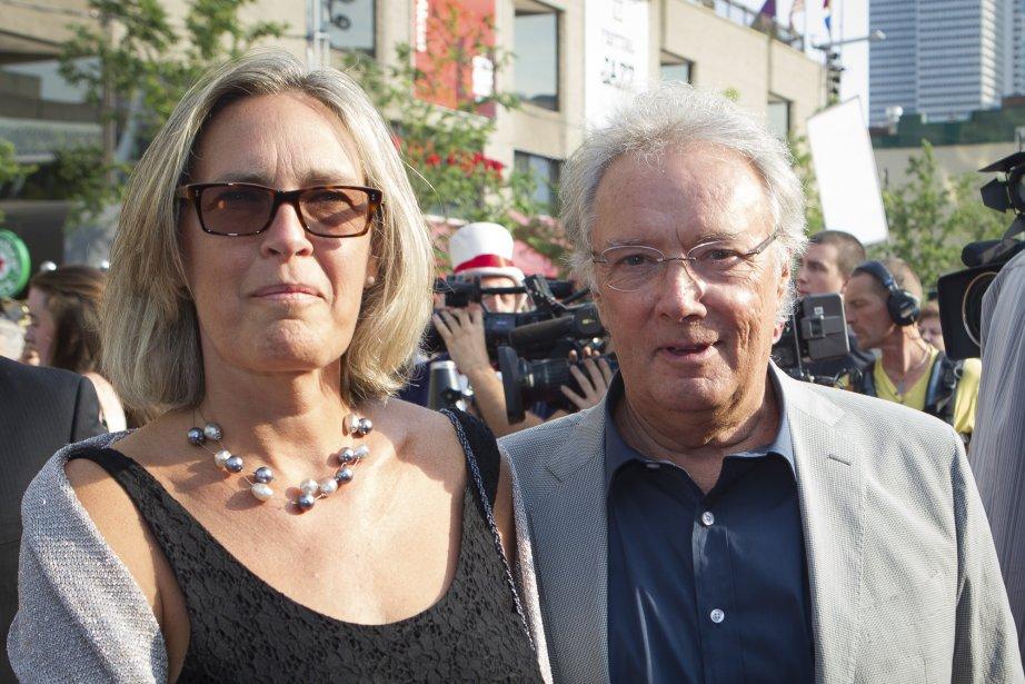 1890: Gilbert Sicotte, qui est de la distribution de Louis Cyr, aime que le film se déroule à la fin du XiXe siècle: «Au Québec, on oublie souvent le passé et il y a des époques qu'on saute complètement. Je pense que les spectateurs vont avoir de belles surprises lorsqu'ils vont voir ce film et cette belle époque.» On le voit ici en compagnie de sa conjointe. | 9 juillet 2013
