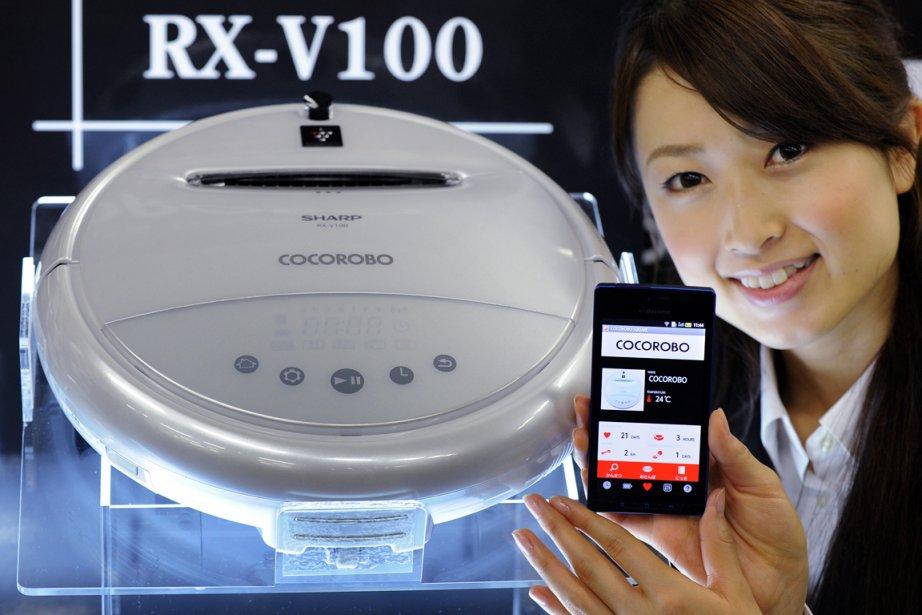 "L'aspirateur ""Cocorobo"" produit par Sharp... (PHOTO TORU YAMANAKA, AFP)"