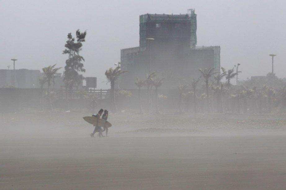 L'observatoire météo de Hong Kong a classé Soulik... (PHOTO PICHI CHUANG, REUTERS)