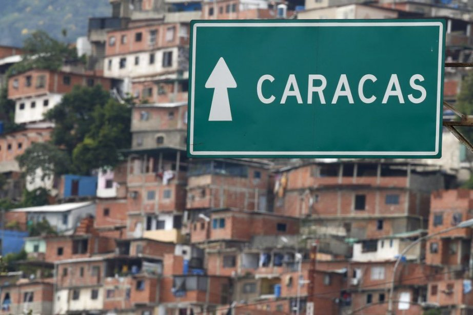Le gouvernement du Venezuela n'a «pas encore» reçu... (PHOTO JORGE SILVA, REUTERS)