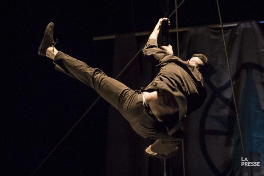 Avec ce spectacle anarchique, écologiste et altermondialiste, Acrobat... (Photo: Olivier Pontbriand, La Presse)