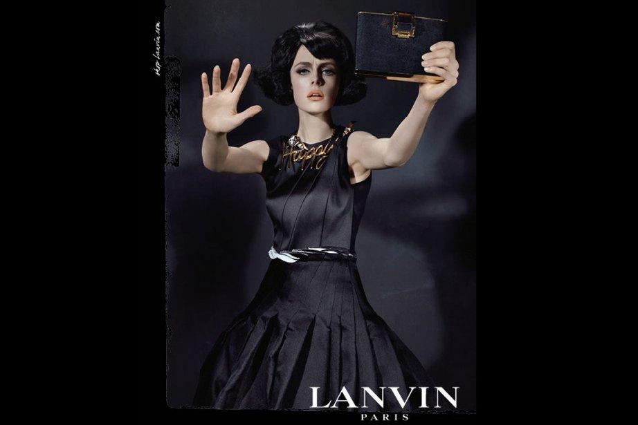 Le look rétro d'Edie Campbell pour Lanvin... (Photo fournie par Lanvin (Steven Meisel))