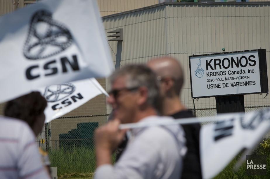 Des employés de Kronos ont aussi manifesté le... (Photo: André Pichette, archives La Presse)