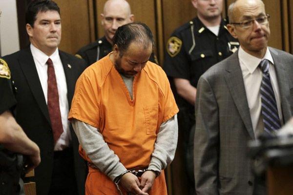 Un grand jury avait le 12 juin dernier... (PHOTO TONY DEJAK, AP)