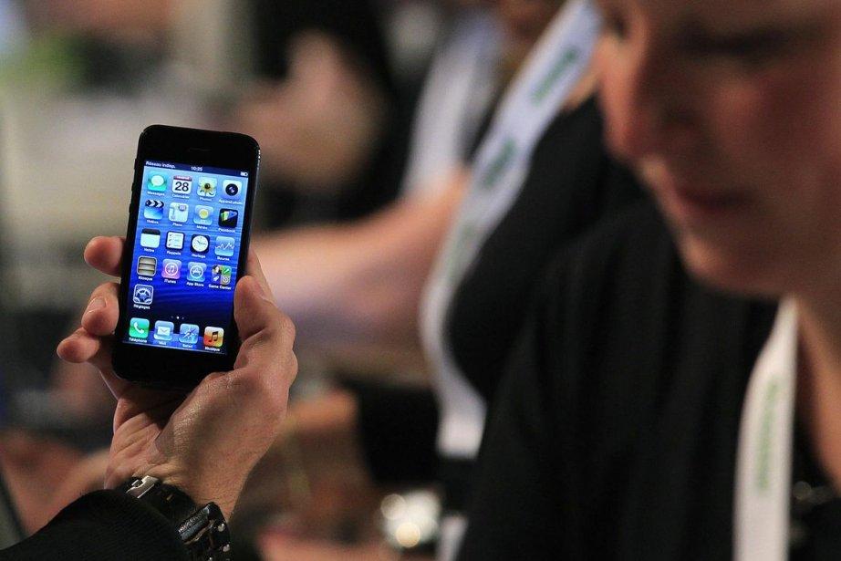 Les appareils génèrent des renseignements de localisation susceptibles... (Photo Archives Reuters)