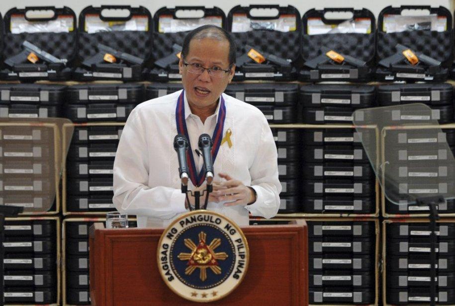 Le président Benigno Aquino et le Milf ont... (PHOTO JAY DIRECTO, AFP)