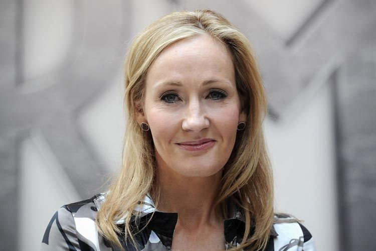 J.K. Rowling... (PHOTO AFP)