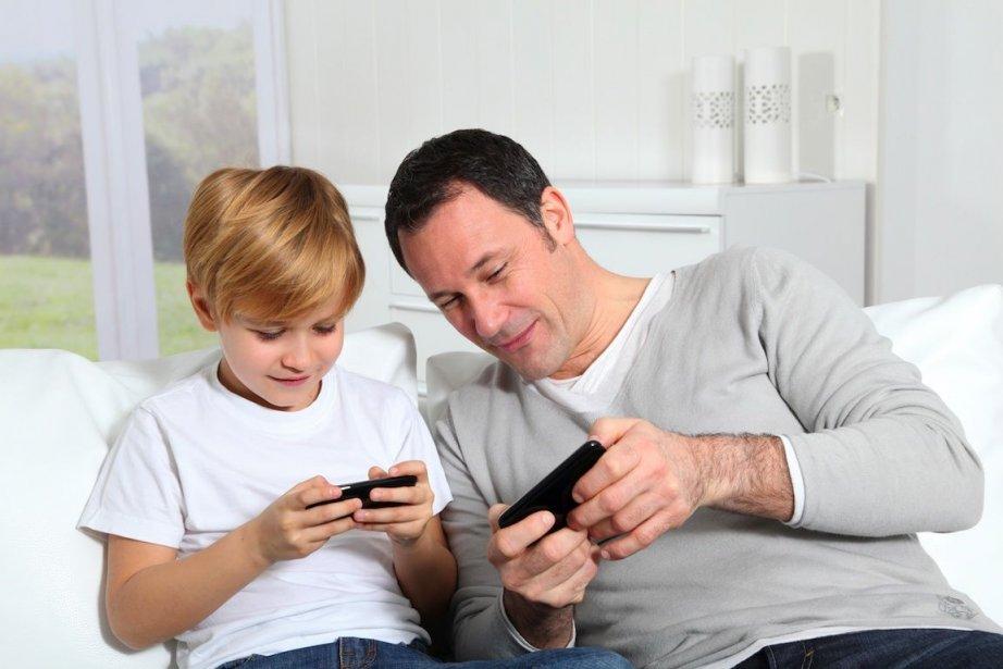 Verrouiller l'écran d'accueil de l'appareil etaugmenter les restrictions... (Photo Goodluz/shutterstock.com)