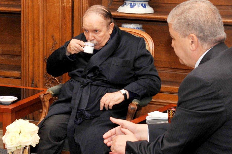 Abdelaziz Bouteflika était apparu le 12 juin, pour... (PHOTO ARCHIVES AFP)