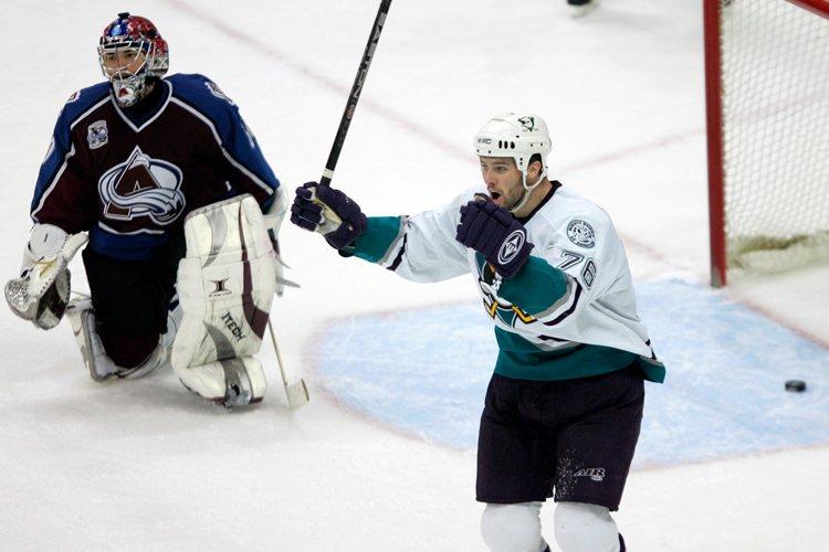 Dustin Penner a porté l'uniforme des Mighty Ducks... (Photo: Reuters)