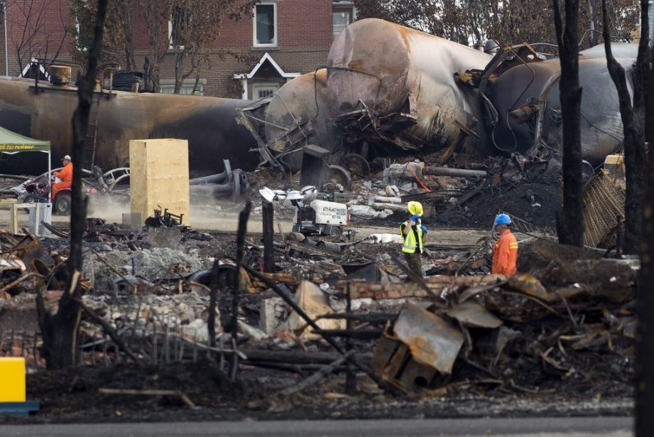 Dévastation à Lac-Mégantic.... (Photo La Presse Canadienne)