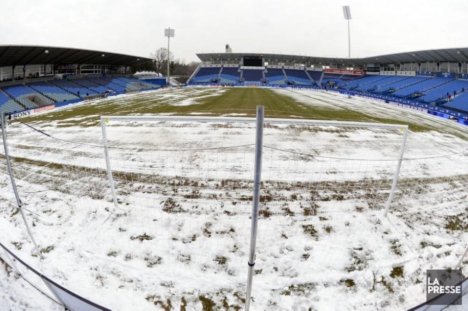 Le premier match de la saison au stade... (Photo Bernard Brault, La Presse)