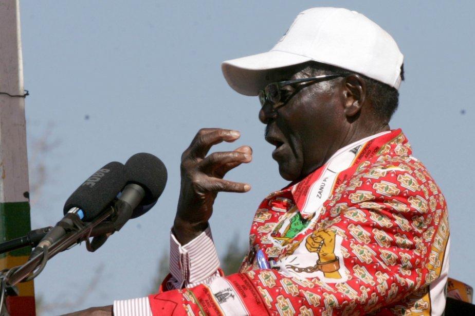 Robert Mugabe... (Photo Jekesai Njikizana, AFP)