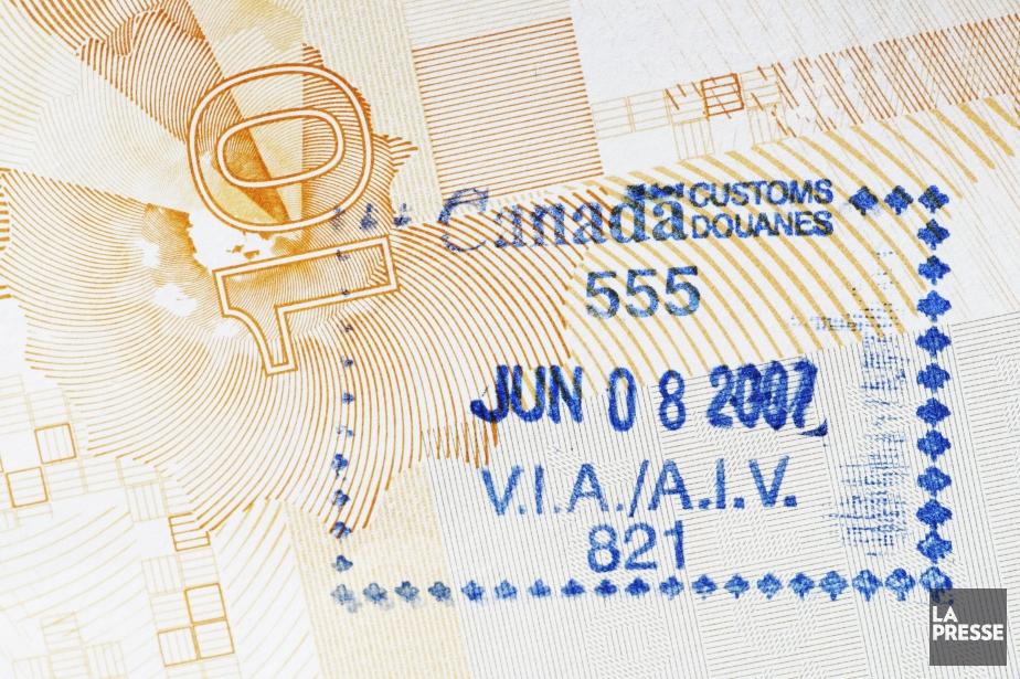 Des milliers de demandes de visa pour le... (Photo archives La Presse)