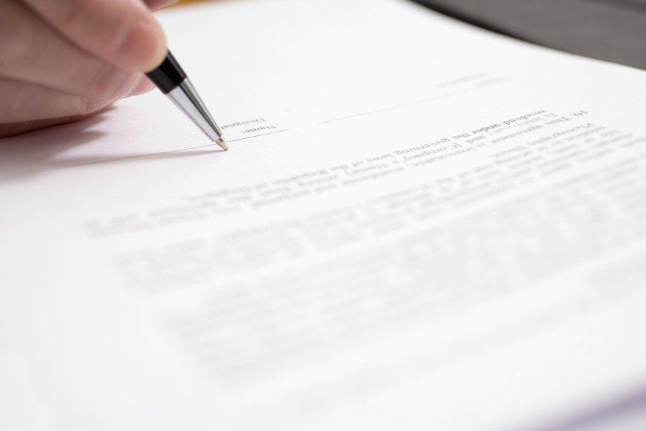 Un contrat non conforme peut être signalé à... (Photos.com)