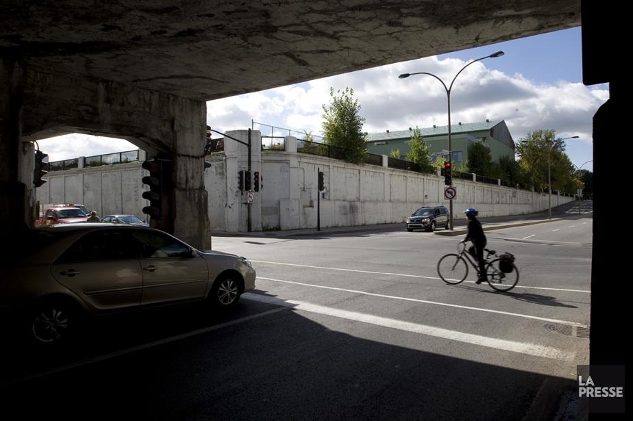 Les viaducs traversant les grandes artères ou les... (Photo: Ivanoh Demers, La Presse)