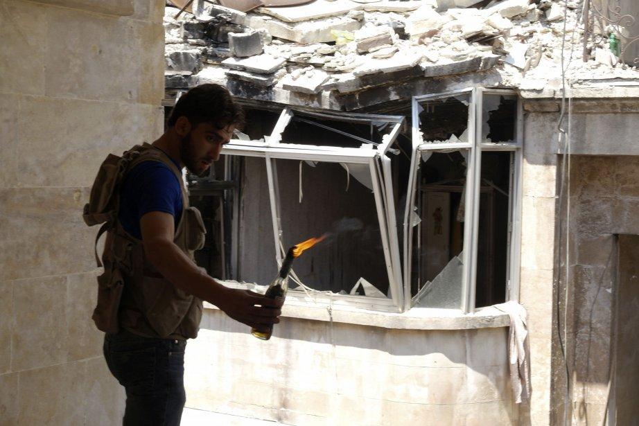 Les affrontements entre militants d'al-Qaïda et rebelles syriens... (Photo REUTERS)