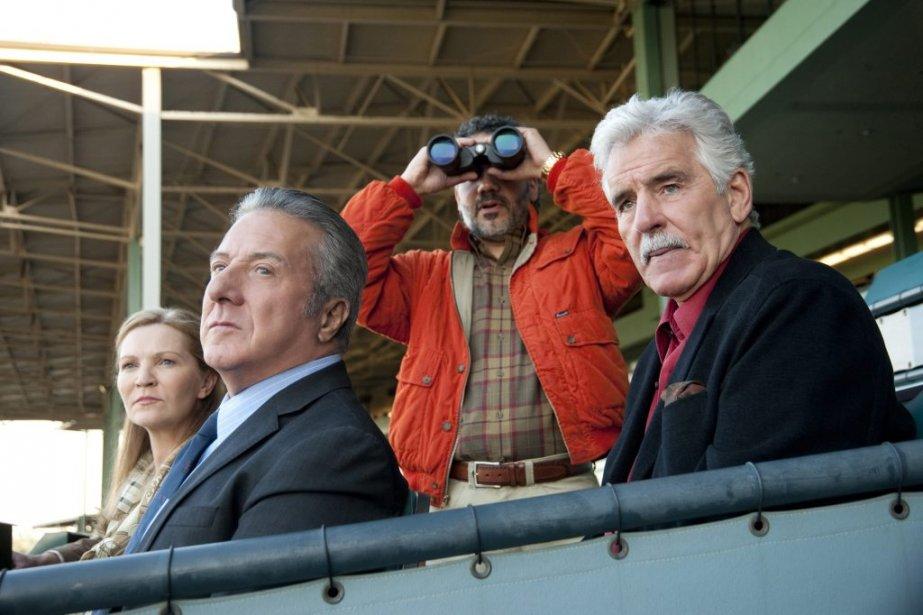 Joan Allen, Dustin Hoffman, John Ortiz et Dennis Farina dans une scène de la série «Luck». | 22 juillet 2013