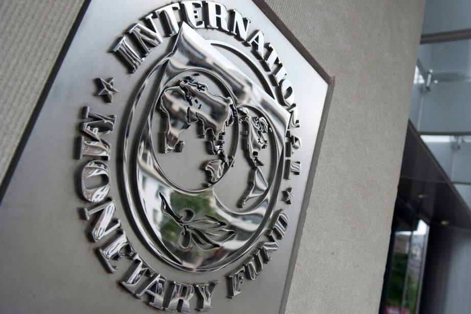 Le FMI prévoit que la France termine l'année... (PHOTO AFP)
