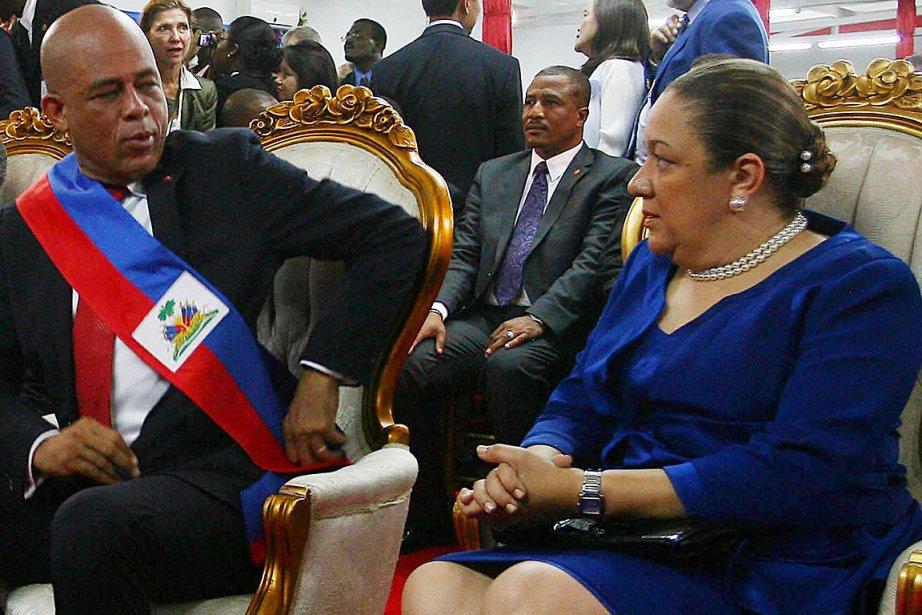 Le président haïtien Michel Martelly et sa femme... (PHOTO ARCHIVES AGENCE FRANCE PRESSE)