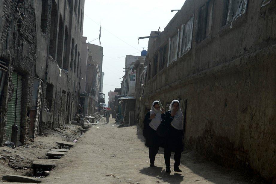 Les attentats suicide et bombes artisanales sont les... (PHOTO SHAH MARAI, AFP)