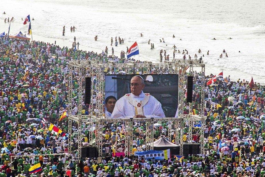 Quelque 3 millions de personnes ont assisté à... (PHOTO Maria Luiz Mesquita-O Dia, REUTERS)