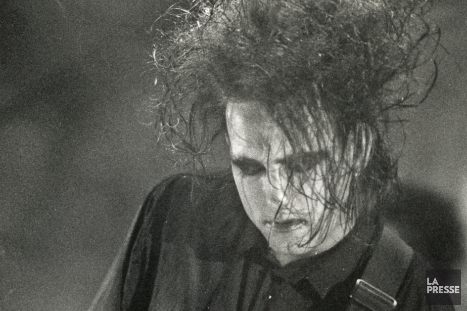 Robert Smith, leader du groupe The Cure, en... (PHOTO ARCHIVES LA PRESSE)